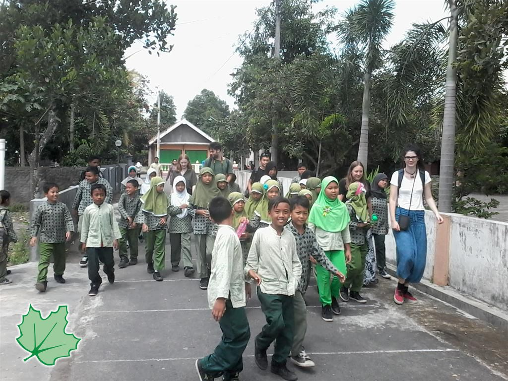 With the children of Cepokojajar (Medium) signed
